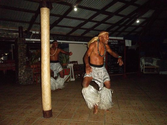 Coralview Island Resort: Meke dance performed by the Coralview workers after dinner - Awesome!
