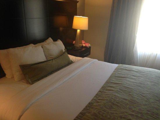 Staybridge Suites Montgomeryville: Bedroom