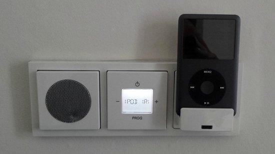 Hotel Grey: Lecteur/speaker iPod encastré