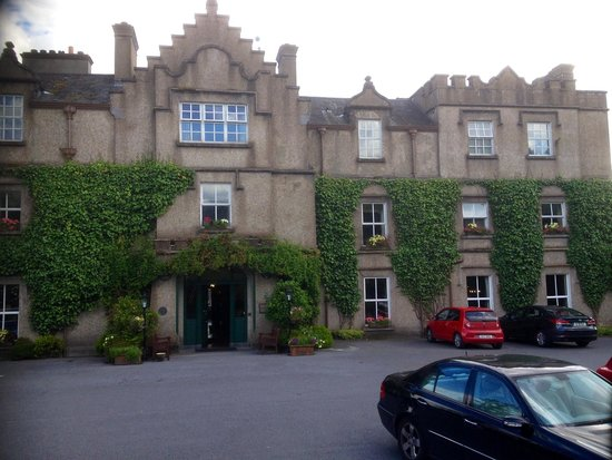 Ballynahinch Castle Hotel: Gorgeous entrance to Ballynahinch