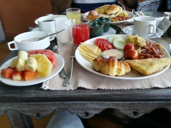 Shangri-La Village Pokhara: delicious and good variety breakfast