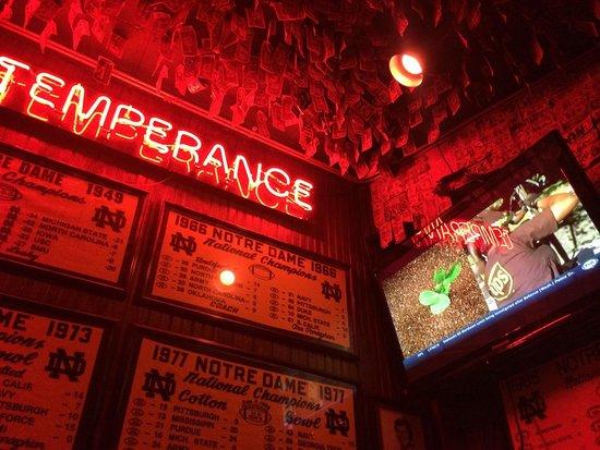 McGuire's Irish Pub: Good place!!