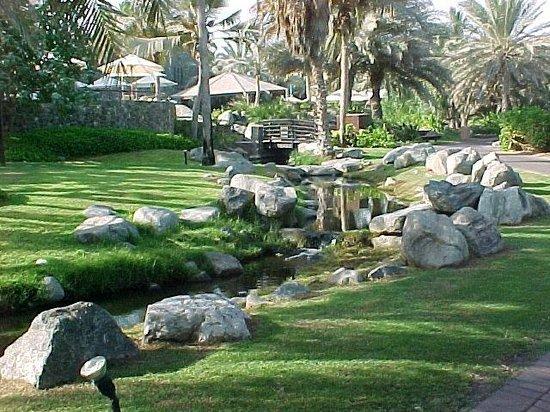 JA Jebel Ali Beach Hotel: Le jardin
