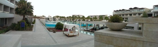 Avra Imperial Hotel : Pool area