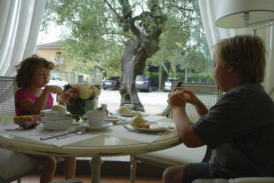 Hotel Villa Agnese: Blick aus dem Frühstücksraum