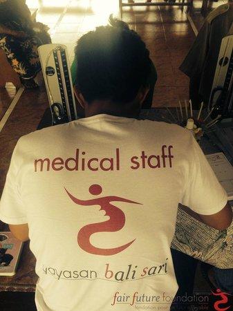 Fair Warung Bale - Fair Future Foundation: Fair Medical Staff of the Fair Future Foundation, thanks the Fair Warung Balé