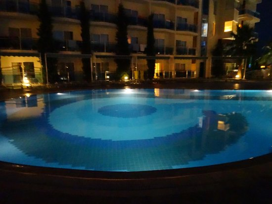 Sealight Resort Hotel: superbe piscine