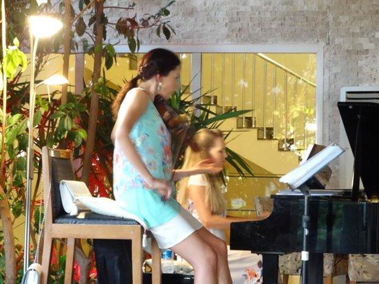 Sealight Resort Hotel: nos musiciennes