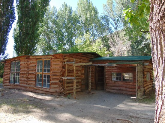 Dinosaur National Monument: Josie's Cabin
