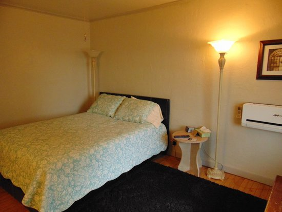 Buffalo Pointe Lodge : bedroom