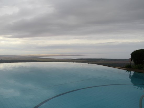 Lake Manyara Serena Lodge : infinity pool
