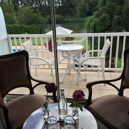 Relais et Châteaux La Réserve : From the room to the balcony