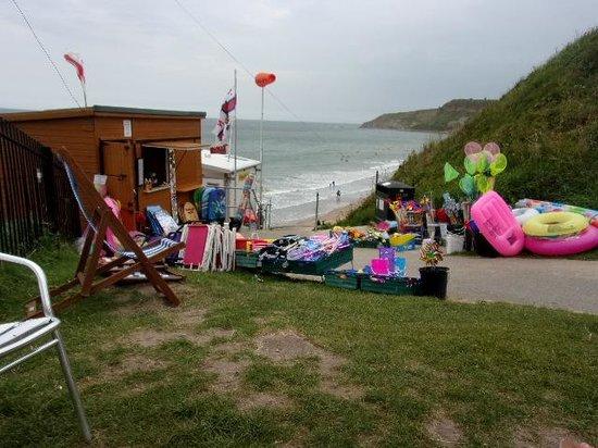 Cayton Bay Holiday Park - Park Resorts: Cayton Bay Beach
