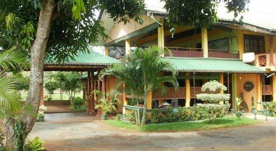 Nilketha Villa Eco Hotel: front