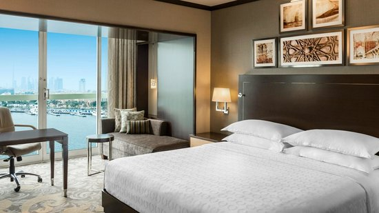 Sheraton Dubai Creek Hotel & Towers : Classic Creek Room