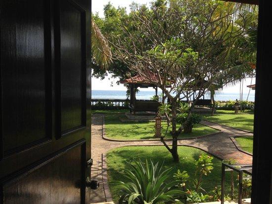 Aditya Beach Resort: Вид из номера