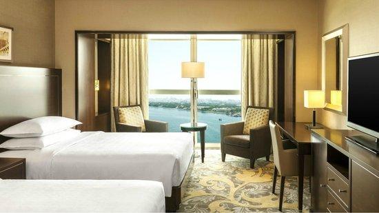 Sheraton Dubai Creek Hotel & Towers: Twin Room