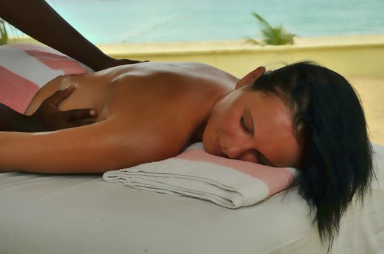 SuperClubs Rooms on the Beach Negril: Massage on the beach
