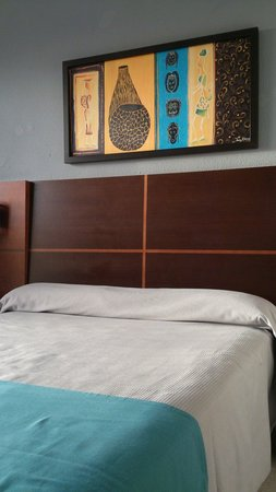Cala Blanca Sun Hotel: Decoración de la habitación