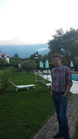 Residence La Piscina: splendido albergo e piscina