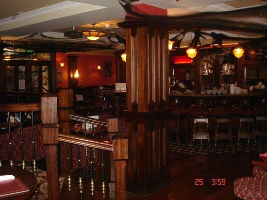 Cooneys Hotel: Cooneys Bar