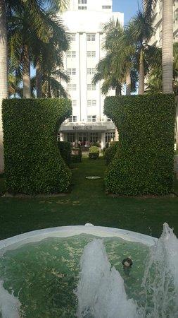 Royal Palm South Beach Miami, A Tribute Portfolio Resort: Hotel entrance.