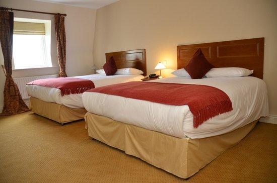 Cooneys Hotel: Bedrooms