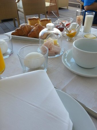 Hotel Amadeus : Breakfast