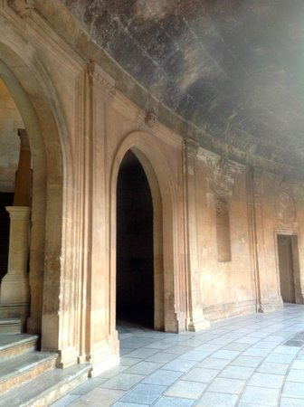 Palace of Carlos V: Passage behind the ground floor colonnade with stone barrel roof