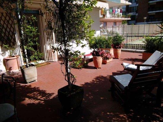 B&B La Bouganville: terrazza
