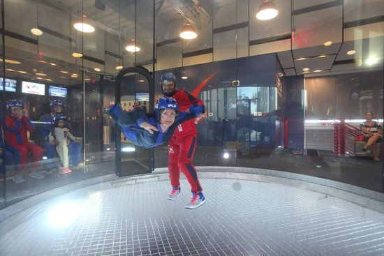 iFLY Austin Indoor Skydiving: I'm flying!!!