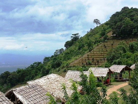 孟寨山脉自然风景区