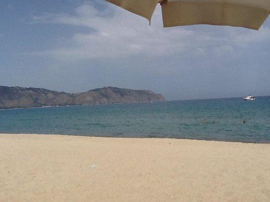 VOI Baia di Tindari Resort : plage de l'hôtel