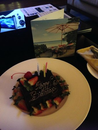 Jumeirah Dhevanafushi: Birthday cake
