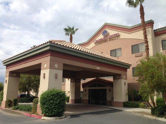 Comfort Suites Palm Desert I-10: Entrata