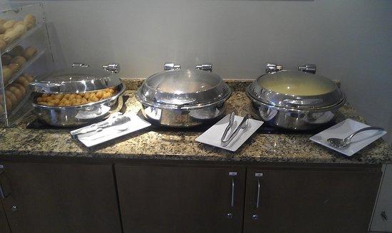Best Western Plus Condado Palm Inn & Suites: breakfast