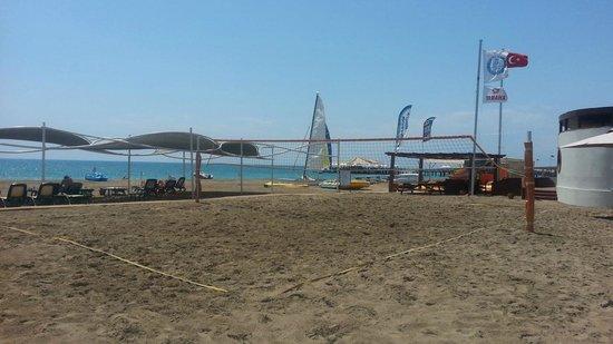 Cornelia Diamond Golf Resort & Spa: Beach volley