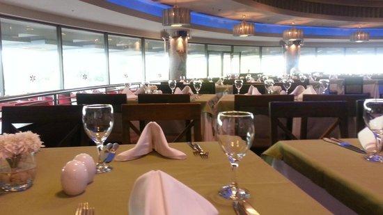 Cornelia Diamond Golf Resort & Spa: Food