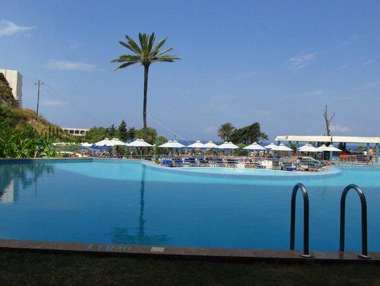 Atrium Platinum Hotel: view from room - private pool