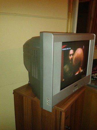 Hotel Tre Torri: Tv con solo un paio di canali funzionanti!