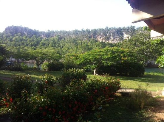 Villa Guajimico: Vue devant le restaurant