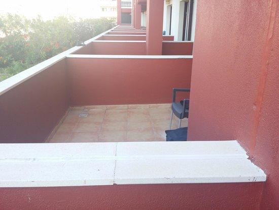 Occidental Isla Cristina : La terraza sin medidas de seguridad