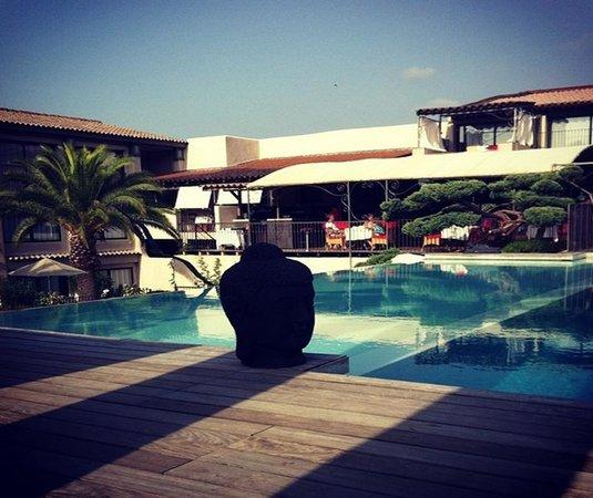 Hotel Le Roi Theodore - Relais du Silence : Piscine de l'hôtel