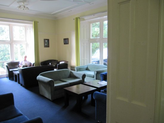 YHA Coniston Holly How: Lounge