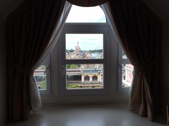 Disneyland Hotel : view from room 2404