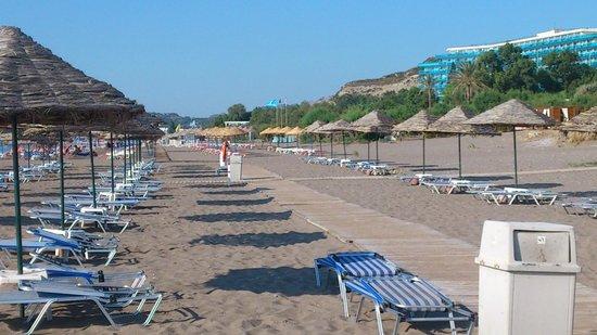 Blue Sea Beach Resort: Hotelstrand