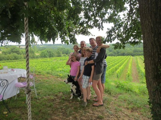 Bergerac Wine Tours: Lunch in the Vineyards at Ch Lestevenie
