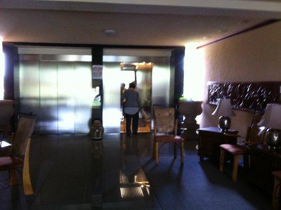 Quinta Del Rey Express: area de elevador