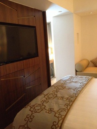 Crowne Plaza Chennai Adyar Park: Bedroom
