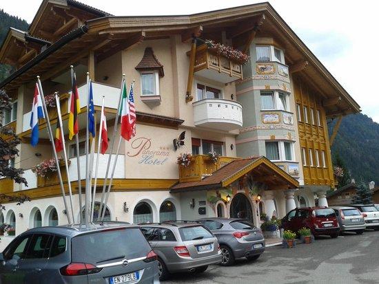 Alpenhotel Panorama : l'entrata dell'hotel